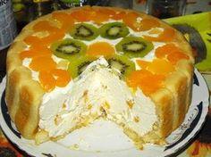 Tortul cu sarlota si fructe se face imediat pentru ca nu necesita coacere. Mai mult, este pentru orice buzunar, nefiind costisitor. Jacque Pepin, Sweet Tarts, Dessert Recipes, Desserts, Kiwi, Chicken Recipes, Cheesecake, Pudding, Yummy Food