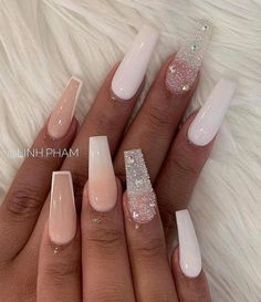 Trend Nail Art - - Sudanese-Australian model Adut Akech takes home 'Model of the Year' award beating Kaia Gerber and Winnie Harlow, solidifying her place in the fashion industry. White Acrylic Nails, Summer Acrylic Nails, Best Acrylic Nails, White And Silver Nails, Nail Summer, Pink Nail Art, Aycrlic Nails, Bling Nails, Swag Nails