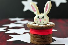 Bunny in the Hat Cookie Centerpiece