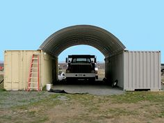 Image from http://www.steelmasterusa.com/assets/products/5172/roof-over-shipping-containers__large.jpg.