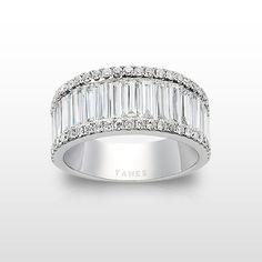 Alianza oro blanco y diamantes talla brillante y talla baguette.