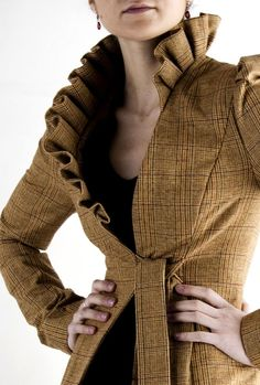 Would love to refashion an old jacket into this lovely jacket! Look Fashion, Fashion Details, Winter Fashion, Womens Fashion, Fashion Design, Looks Style, Style Me, Look Chic, Mode Inspiration