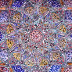 Ceiling artwork at Wazir Khan mosque, Lahore, Pakistan. Picture by Salman Arif Islamic Architecture, Amazing Architecture, Art And Architecture, Azul Cyan, Moslem, Shiraz Iran, Different Kinds Of Art, Islamic Patterns, Beautiful Mosques