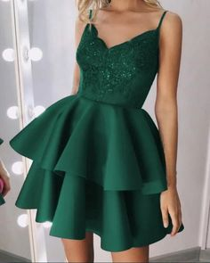 Dark Green Prom Dresses, Green Homecoming Dresses, Short Green Dress, Cute Prom Dresses, Dance Dresses, Emerald Homecoming Dress, Grad Dresses Short, Social Dresses, Prom Gowns