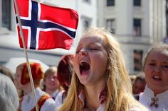 Hurrah Norge! by Love/ Kaosher, via Flickr  Cool ! :-)