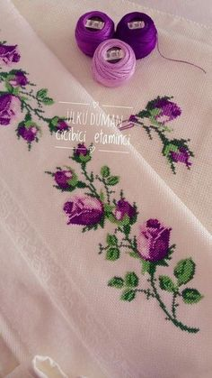 Amazing Hand Embroidery: Learn Flower Ideas with Tricks Cross Stitch Boarders, Cross Stitch Rose, Cross Stitch Flowers, Cross Stitch Designs, Cross Stitching, Cross Stitch Patterns, Hand Embroidery Tutorial, Hand Embroidery Patterns, Ribbon Embroidery