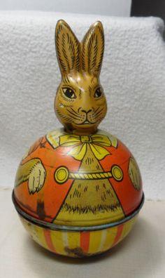 Tin Rolly Polly Rabbit Metal Toys, Tin Toys, Easter Toys, Doll Quilt, Arte Pop, Vintage Tins, Doll Toys, Dolls, Vintage Easter
