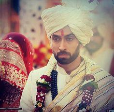 Shivay is looking always handsome #ishqbaaz @rimi
