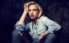 #fashion #photography #portrait #studio #phaseone #stuttgart #fotograf #jeans #girl #broncolor