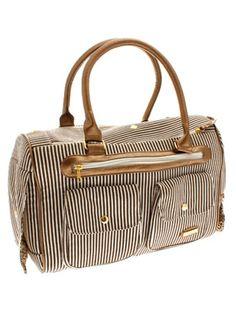 a bag for carrying my poochio... I never thought I'd want one.... but I ABSOLUTELY DOOOOOOOOOO!!!!