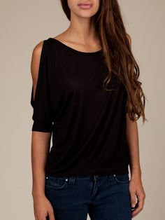 luv how the sleeves are cut off and fall off the shoulder:)