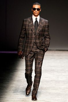Would LOVE to see someone wearing this on the street. (Joseph Abboud Fall 2012)