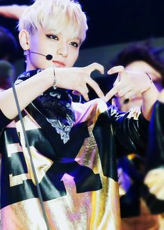 Dont go Tao.... We love you too much♥♥ I read that you will maybe leave exo because of your broken leg :( Just dont go.....
