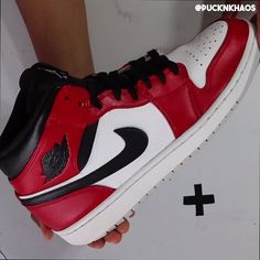 (How To) Sneaker Custom The TL;DR of how to transform sneakers bought at a garage sale into sneakers that look store bought Nike Air Shoes, Nike Free Shoes, Sneakers Nike, Nike Air Max, Custom Sneakers, Custom Shoes, Custom Jordans, Custom Vans, Burberry