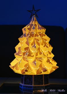 Heirloom Christmas Tree from #SVGCuts with the lights on.