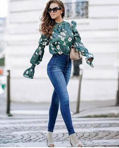 Here are 40 Stylish Winter Outfit ideas.These are the trends of this Winter and every girl should have these Outfits. Winter Outfits for winter style. Look Fashion, Autumn Fashion, Fashion Outfits, Womens Fashion, Fashion Spring, Fasion, Cute Spring Outfits, Cute Outfits, Spring Outfits Women Casual