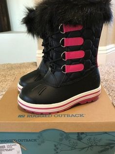 35ff363e5aacf Girl s Black and Pink Snow Boots - Botte Temps Weather Boots - Size 1 - NEW