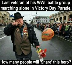 Last Veteran Of His WWII Battle Group Marching Alone In Memorial Day Parade - Funny Memes. The Funniest Memes worldwide for Birthdays, School, Cats, and Dank Memes - Meme Sweet Stories, Cute Stories, Human Kindness, Touching Stories, Gives Me Hope, Mejor Gif, Last Man Standing, Belle Photo, Good People
