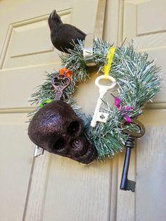 Wilde Designs: Wilde Does Stuff: DIY Spooky Wreath