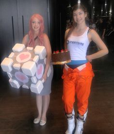 Chell & Companion Cube from Portal w/ Props
