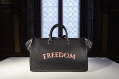 Freedom Collection - The beautiful Gulliver Travel bag in a new painted-look. #bertoni1949