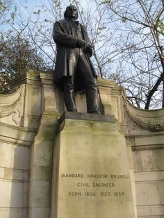 Memorial to Isambard Kingdom Brunel Civil Engineer, at Victoria Embankment. Extraordinary People, Amazing People, Isambard Kingdom Brunel, Rail Transport, Winners And Losers, London Museums, Great Western, Old London, Gremlins