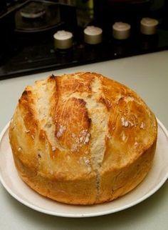 Házi ropogós kenyér - Hozzávalók  4 csésze liszt (kenyérliszt, teljes kiőrlésű, Graham, rozs stb. ízlés szerint vegyítve) 1 teáskanál porélesztő 2 teáskanál só 2 csésze víz