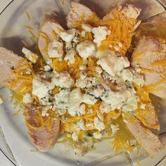 Cheddar blue cheese chicken! I'm on a blue cheese kick! #oklchart #ketodiet #ketogenicdiet #ketogenic #lchf #keto by my.keto.life