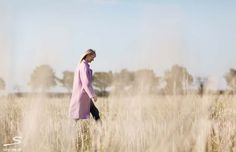 Purple oversized coat made of loden cloth. Instructions can be found in sisterMAG N° 4 #fashion #wardrobe    Photo: Ashley Ludäscher