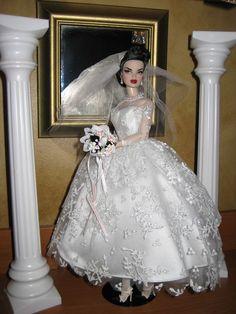 Bridal Sets, Bridal Gowns, Wedding Gowns, Vintage Barbie Clothes, Doll Clothes, Barbie Wedding, Bride Dolls, Wedding Attire, Beautiful Dolls