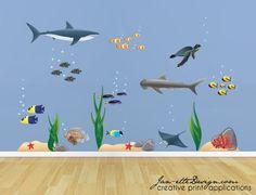Grote Set van onderwater thema muur stickers Beschikt over een groot aantal felgekleurde vissen, zand en zeewier  Afgedrukt op hoge kwaliteit zelfklevende back weefsel materiaal. Eenvoudig toe te passen, te verwijderen en te verplaatsen!  Dimensies bevinden zich op de tweede afbeelding van deze aanbieding Set bevat alle items die u ziet in afbeelding met inbegrip van bubbels /  Stickers worden afgedrukt op hoogwaardige zelfklevende back weefsel materiaal. Eenvoudig toe te passen, te…
