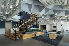 Hexagon Ceiling Panels - Arktura SoundStar® Best Interior Design Apps, Commercial Interior Design, Commercial Interiors, Corporate Interiors, Office Interiors, Office Ceiling, Acoustic Design, Glass Stairs, Ceiling Panels