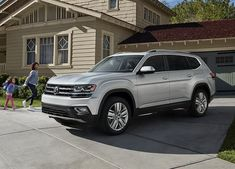 9 of the Best SUVs, from Luxury to Affordable After school sports? Car poo… - Car World Ac Cobra, 3rd Row Suv, Best 3 Row Suv, Best Large Suv, Agadir, Audi Q3, Best Family Cars, Best Family Vehicles, Autos