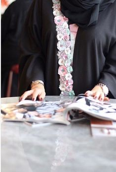 Burqa Designs, Abaya Designs, Abaya Fashion, Fashion Dresses, Abaya Pattern, Modern Abaya, Black Abaya, Arabic Dress, Stylish Girls Photos