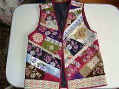 This Pin was discovered by Nih Quilted Clothes, Quilted Jacket, Free Clothes, Diy Clothes, Ikkat Dresses, Vest Pattern, Different Dresses, Patchwork Dress, Boho Pants
