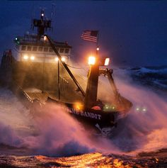 The 2010 king crab season was an eventful one as seen in these pictures from Deadliest Catch. View these Deadliest Catch pictures from king season Alaskan King Crab, Stormy Waters, Sport Fishing Boats, Deadliest Catch, Fishing Vessel, Ferry Boat, Tug Boats, Tall Ships, Sailing