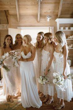bride & bridesmaid candids