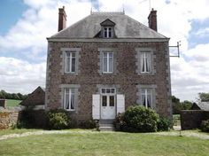 4 Bedroom House For Sale in Mayenne, FRANCE - When can I move in???
