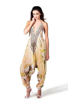 Shahida Parides embellished floral printed harem jumpsuit in cherry blossom print. Effortless fashion must-have womens jumpsuit sleeveless and with an embellished neckline. One size jumpsuit with adjustable drawstrings for perfect fit. Designer Jumpsuits, Designer Dresses, Boho Fashion, Luxury Fashion, Fashion Outfits, Bikini Luxe, Silk Jumpsuit, Look Chic, Resort Wear