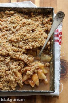 Apple-pear crisp recipe from @bakedbyrachel A must make Fall dessert!
