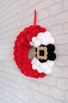 Christmas Pom Pom Crafts, Yarn Crafts, Holiday Crafts, Crochet Christmas Wreath, Diy Christmas Projects, Christmas Yarn, Crochet Wreath, Etsy Christmas, Pom Pom Wreath