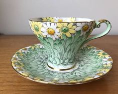 Aynsley Daisy Teacup and Saucer, Green Floral Tea Cup and Saucer, Rare Vintage Bone China Vintage Cups, Vintage China, Vintage Party, Vintage Ideas, Vintage Stuff, Cafetiere, Teapots And Cups, China Tea Cups, Porcelain Ceramics