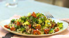 Quinoa Powersalat mit Tomaten und Avocado, ein raffiniertes Rezept aus der Kategorie Kochen. Bewertungen: 157. Durchschnitt: Ø 4,4.