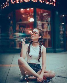 15 Poses ideales para fotos que te puede tomar tu amiga
