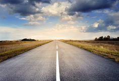 https://pixabay.com/es/por-carretera-asfalto-espacio-cielo-220058/