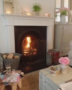 Can't remember a weekend with no DIY in the last few months! Today I'm on the sofa with the weekend papers, the fire & a glass of wine - feels like a proper Sunday