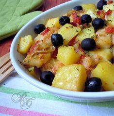 Baccalà con patate al forno  http://blog.giallozafferano.it/rafanoecannella/baccala-con-patate-al-forno/