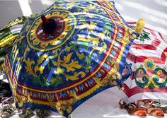 Paraguas de colección Dolce&Gabbana 2014 - ¿Inspirado en #Talavera? #MarcaTalavera