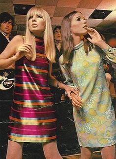 Vintage Fashion Fashion plus that sort of wistful, lost look that so many wore back then. - The most amazing place for women's fashion. 60s And 70s Fashion, 60 Fashion, Fashion History, Vintage Fashion, Womens Fashion, Fashion Trends, Sporty Fashion, 60s Hippie Fashion, Winter Fashion
