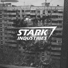 we wait for two days for Tony Stark to kill us Anthony Stark, Iron Man Tony Stark, Quicksilver Marvel, Gym Logo, Stark Industries, Avengers Age, All Hero, Age Of Ultron, Living Legends